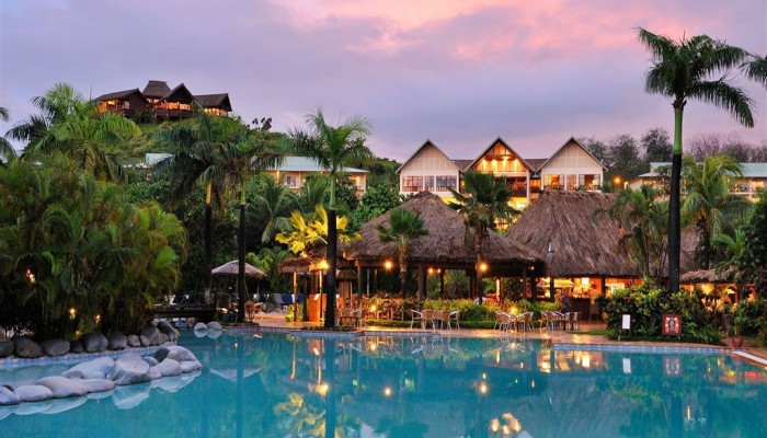 Hotel Outrigger Fiji Beach Resort - Pool - Fiji